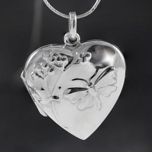 Stříbrný medailonek na krk srdce s přírodním motivem