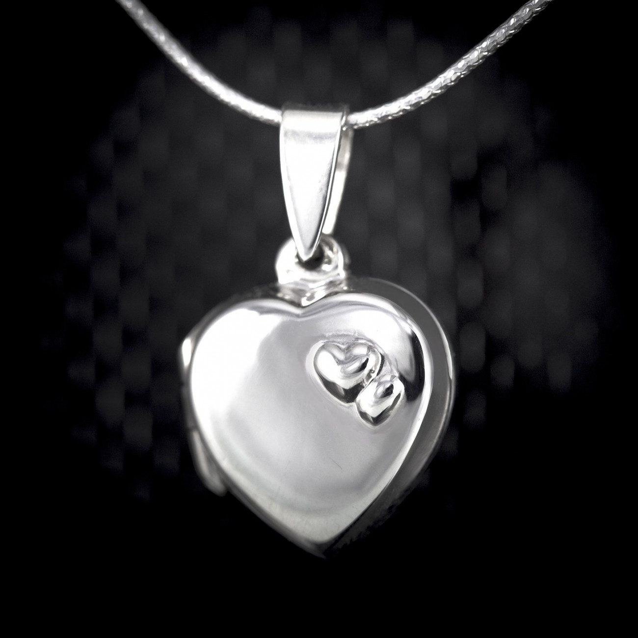 Stříbrný otevírací medailon Savour double heart