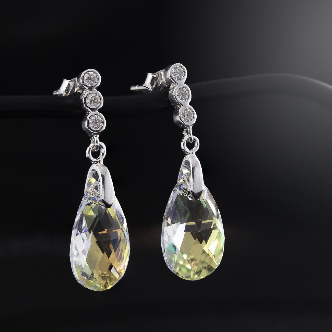 Stříbrné náušnice Savour s pravým krystalem Swarovski Aurore Boreale