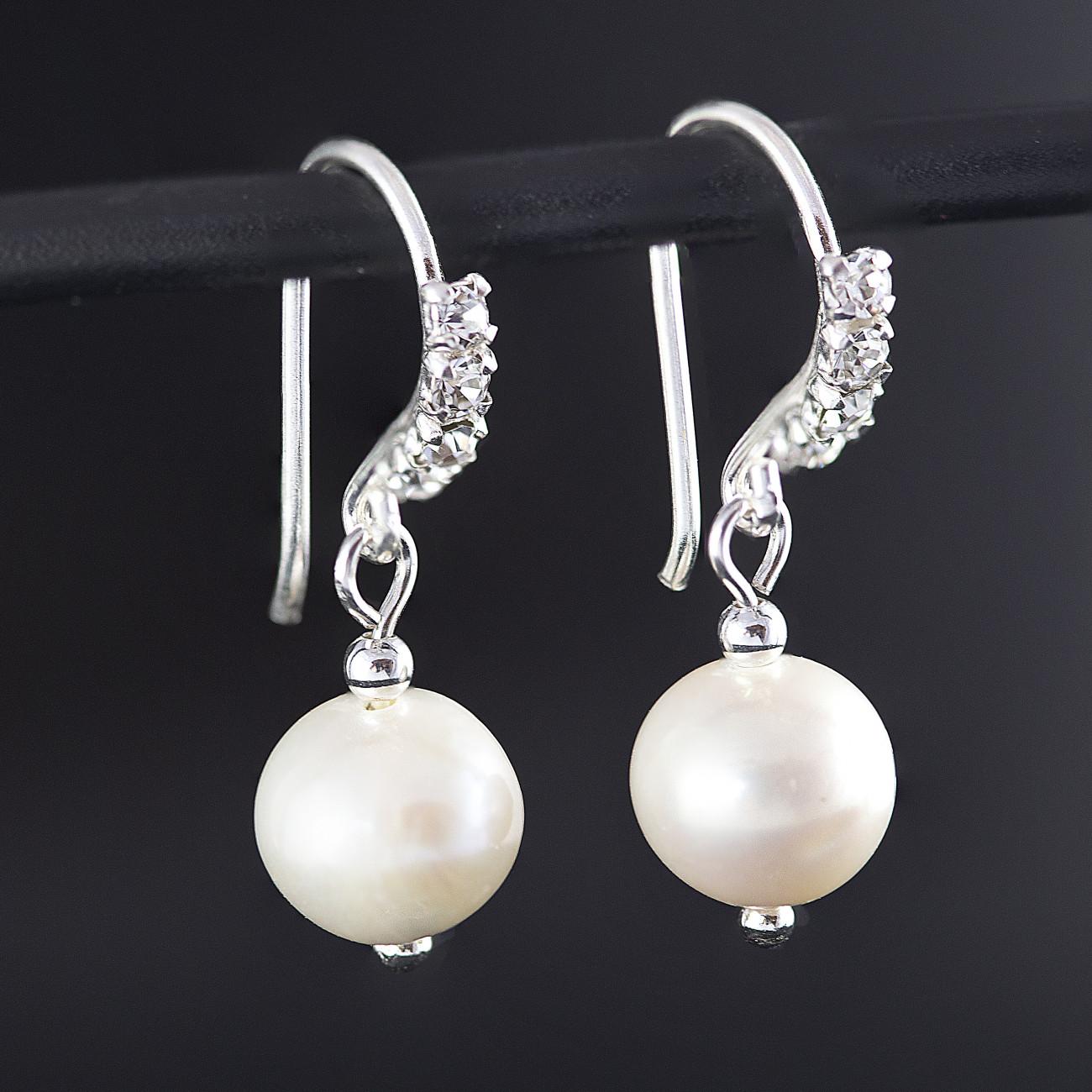 Stříbrné náušnice visací s perlou Savour a krystaly