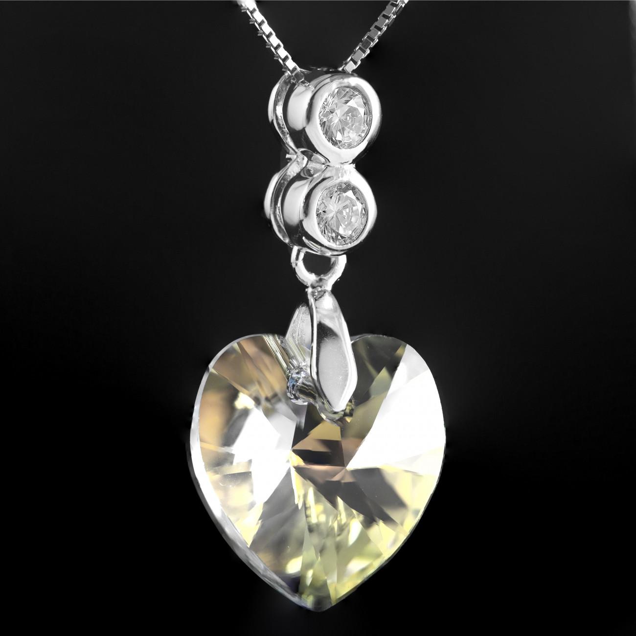 8a2fa9e95 Stříbrný náhrdelník s pravým krystalem Swarovski srdce AB heart and crystal