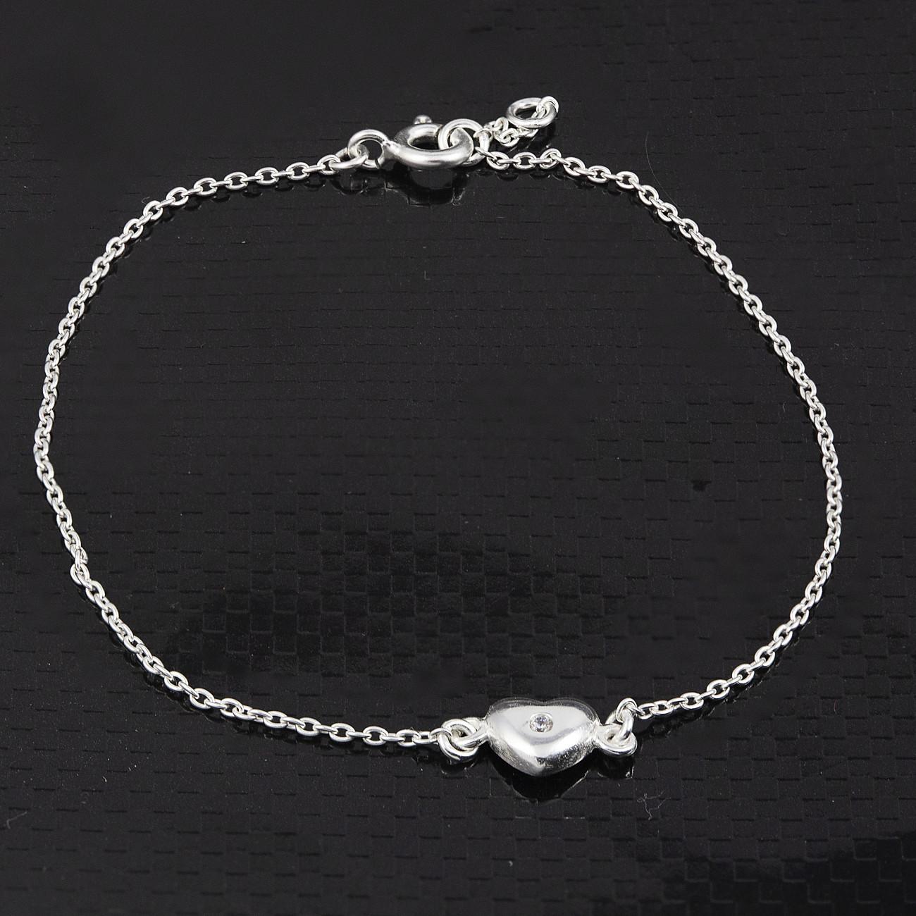 Stříbrný náramek - srdce s kamínkem