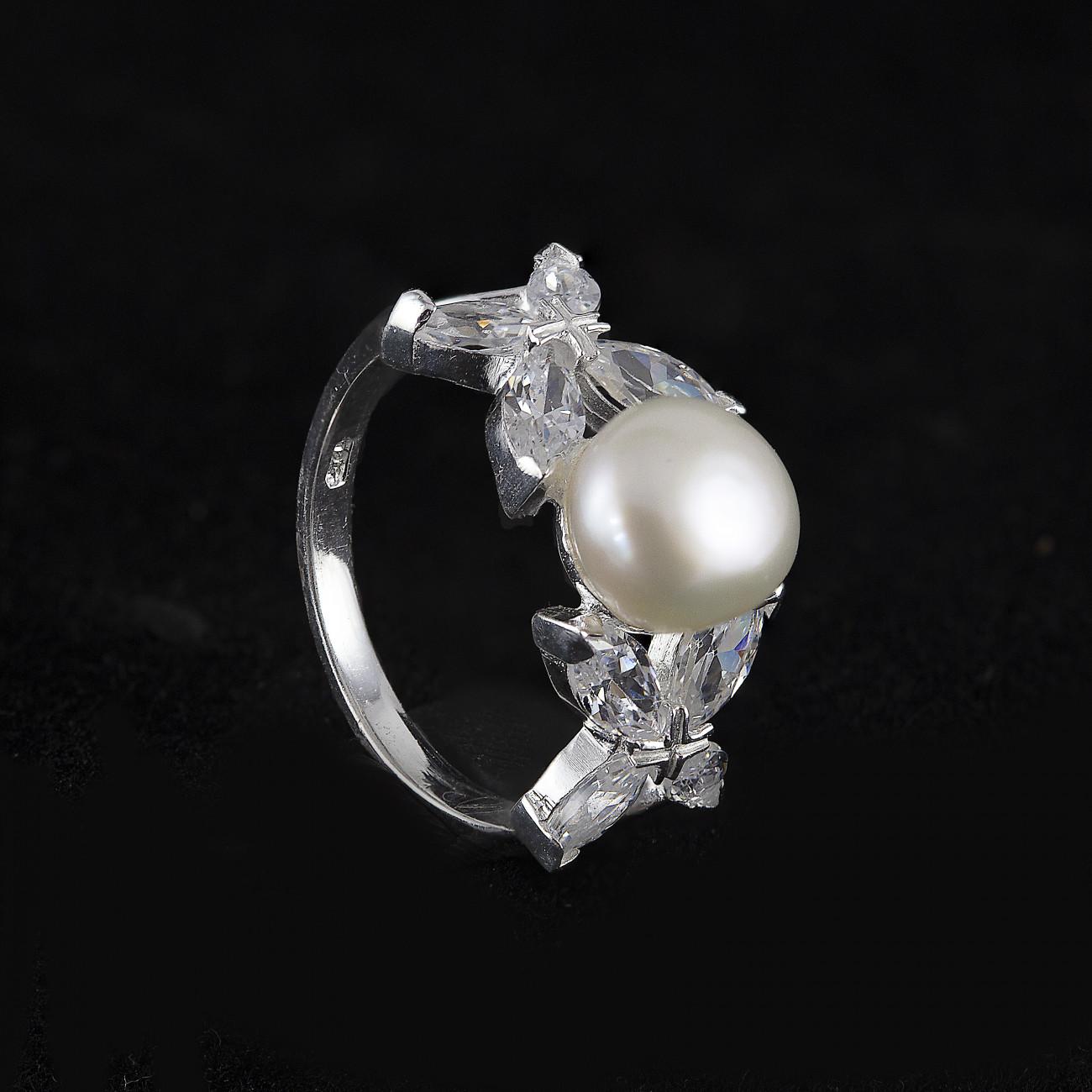 Stříbrný prstýnek s perlou s lístky a zirkony