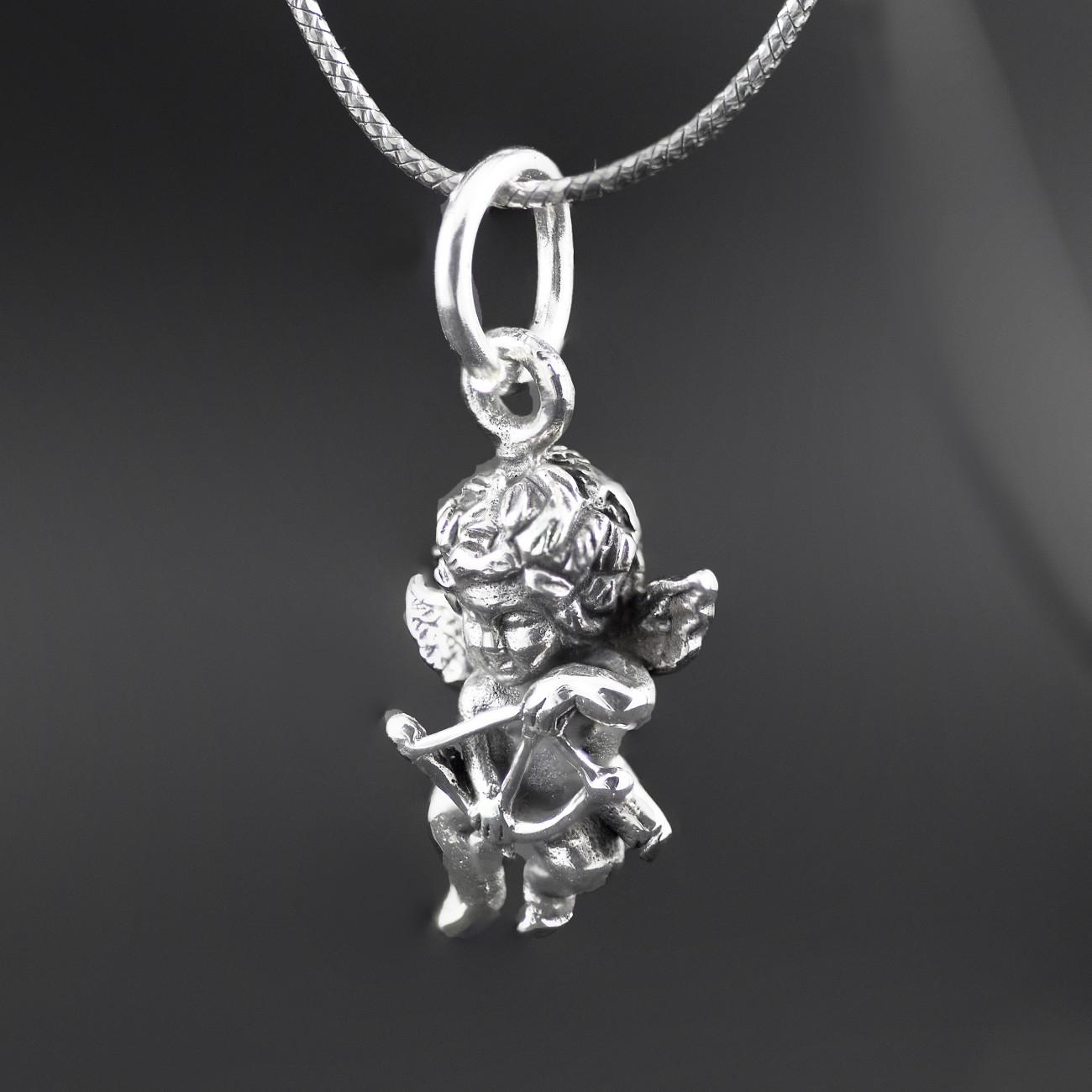 Stříbrný přívěsek anděl s lukem a šípem z oxidovaného stříbra