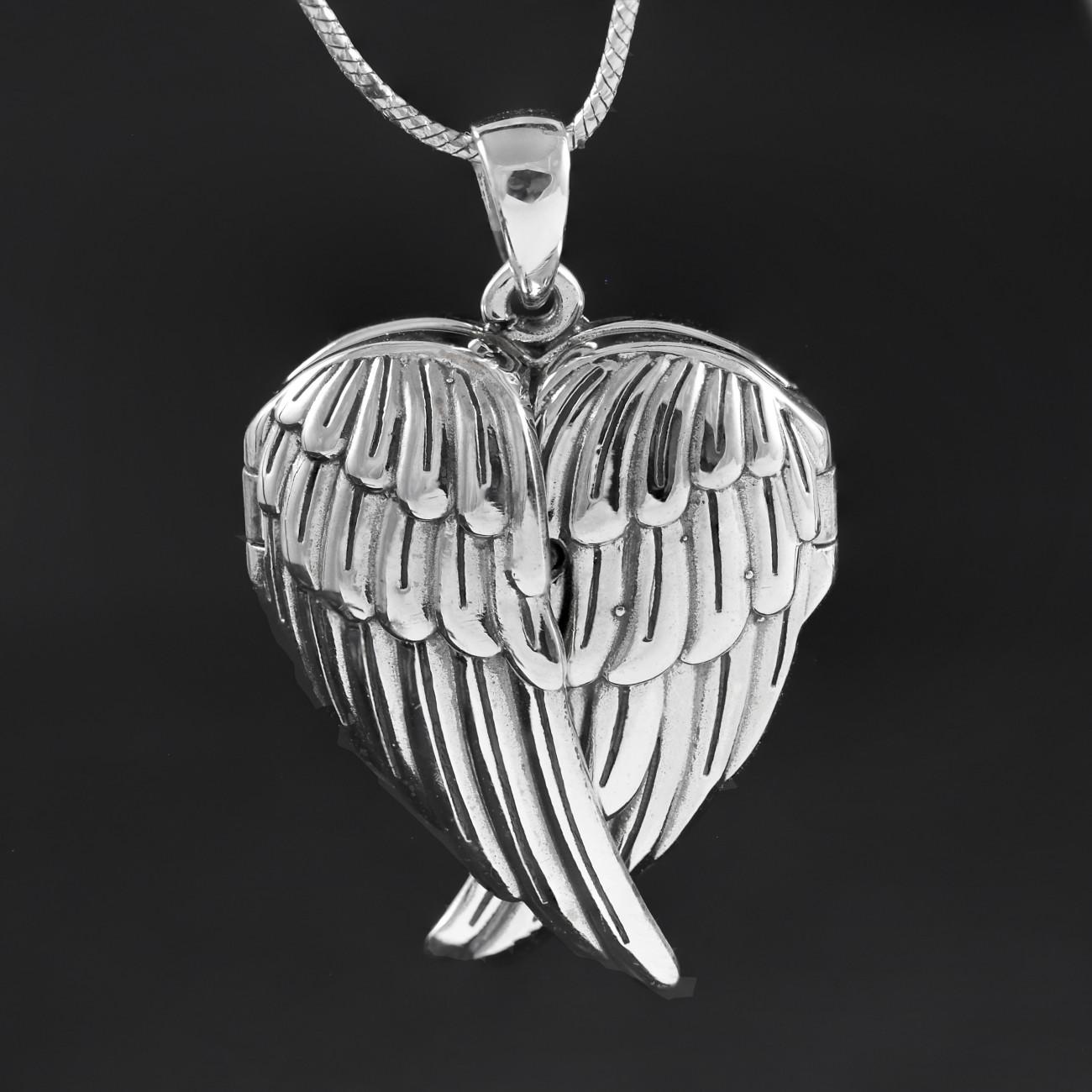 Stříbrný medailonek na fotku srdce s otevíracími andělskými křídly