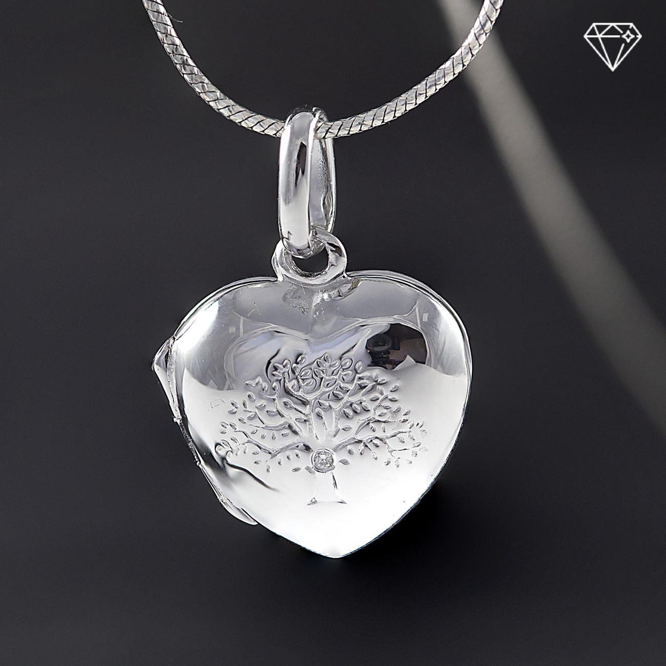 Stříbrný medailonek strom života  s pravým diamantem