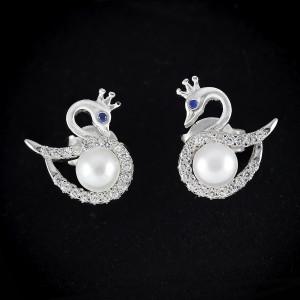 Stříbrné perlové náušnice pecky s pravou perlou labuť