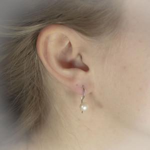 Stříbrné, perlové náušnice s pravou perlou Savour.