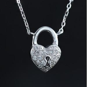 Stříbrný náhrdelník srdce a zámek se třpytivými krystaly Savour