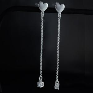 Luxusní, stříbrné náušnice s pravým safírem
