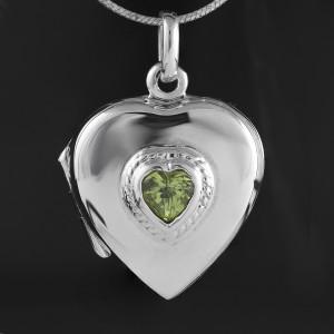 Stříbrný medailonek na fotku s pravým olivínem