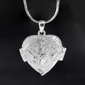 Stříbrný medailonek otevírací na fotku srdce s andělskými křídly