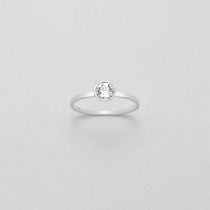 Stříbrný prstýnek s pravým krystalem Swarovski - bílý