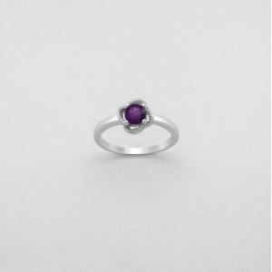 Luxusní, stříbrný prstýnek s pravým amethystem