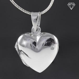 Stříbrný medailonek na fotku srdce s pravým diamantem